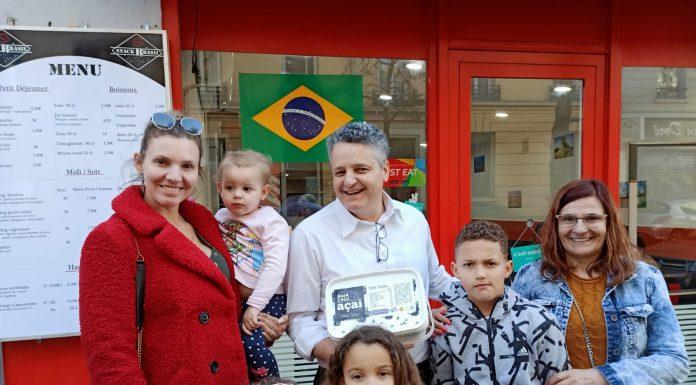 Marta Karoly marcou presença com sua familia na degustação de Pao de Queijo & Açaí Snack Brasil Lyon Vaise